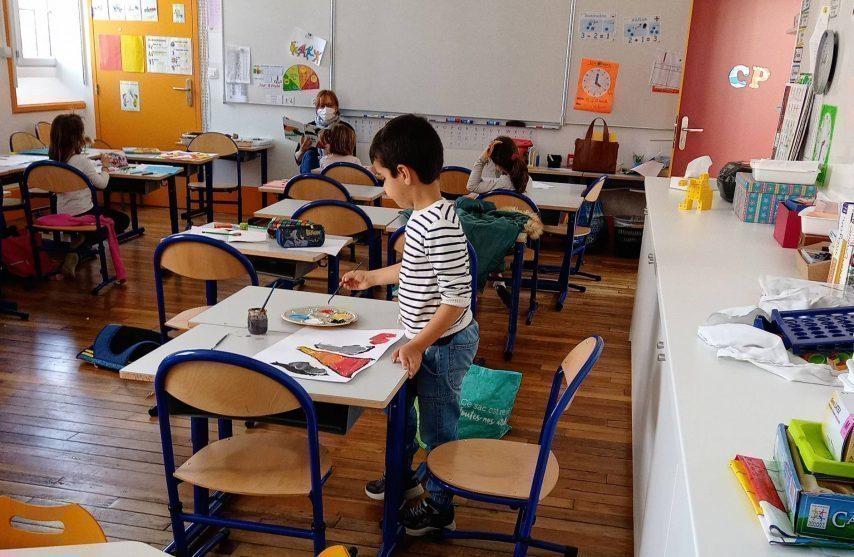Le conseil scientifique émet deux avis sur les modalités du déconfinement à l'école
